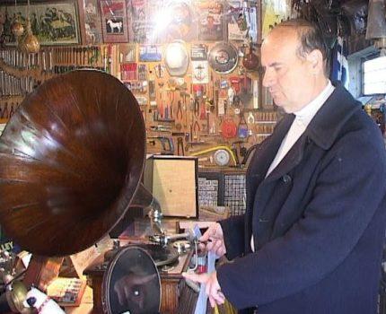 Η ιστορία του γραμμοφώνου στο μουσείο του ΝΙΚΟΥ ΡΑΠΠΟΥ στην Κωνωπίνα Ξηρομέρου! (video)