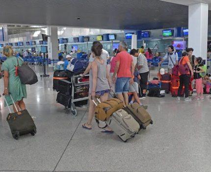 Αγρίνιο: Γύρισαν από Μ. Βρετανία μέσω Βουλγαρίας-πλήρωσαν τα τεστ και μπήκαν σε οικειοθελή καραντίνα!